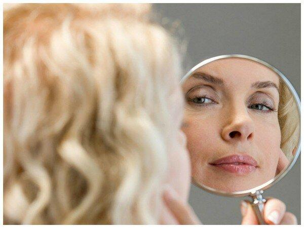 Отражение женского лица